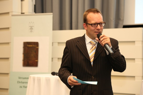 Moderator: Lars Hartenstein