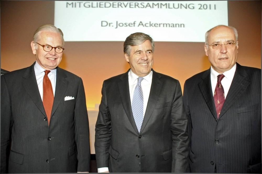 VEEK-Vortragsveranstaltung 2011: Christian Dyckerhoff/Dr. Josef Ackermann/Präses Melsheimer. Fotonachweis: Achim Liebsch
